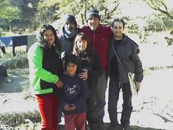 Rosa, Dalia, El Negro, Mariana, Juan y Omar