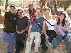 Juan, el Negro, Uma, Omar, Marieta y Mariana